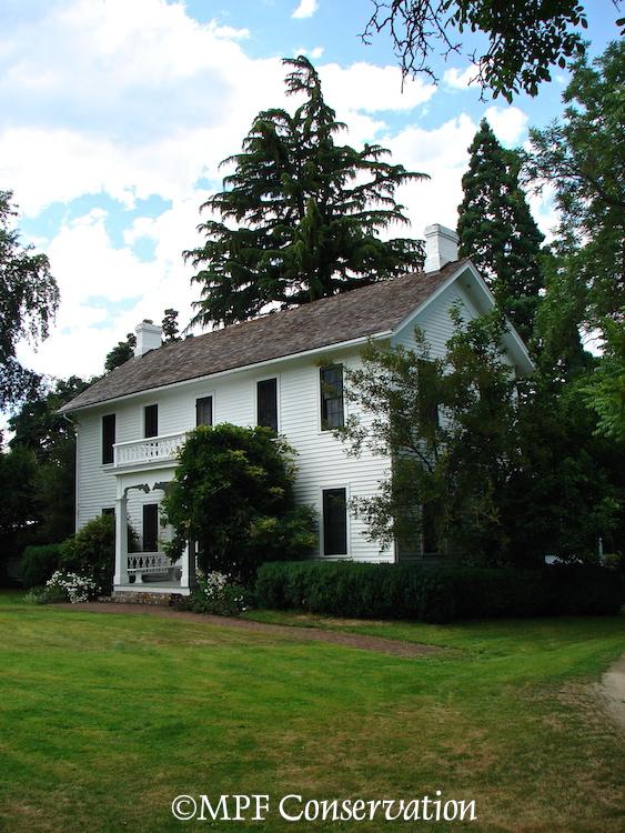 Hanley Farm House of the Southern Oregon Historical Society (1/6)