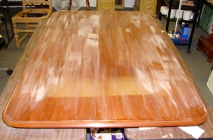 Table sanded: Impurity areas consistent