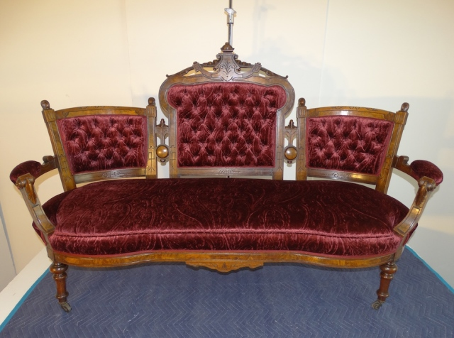 W16 1 27 KP ECLTC SOFA AFTER 281