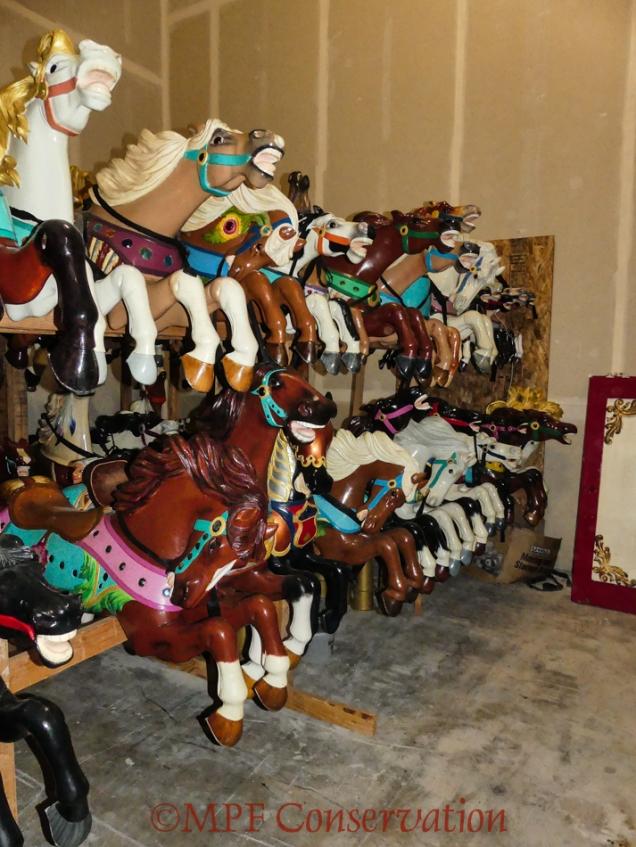 w18 11 14 ro carousel move-1040018