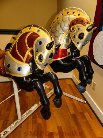 w18 11 14 ro carousel move-1040028